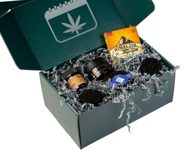 Open MonthLeaf cannabis puff box